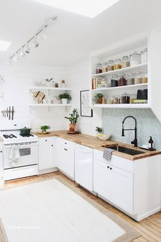 Our Recent Kitchen Makeover Has An Unbelievably Small Price Tag smallkitchenr. - Our Recent Kitchen Makeover Has An Unbelievably Small Price Tag smallkitchenremodeling Our Rece - Beautiful Kitchens, Cool Kitchens, Small Kitchens, Kitchen Small, Hidden Kitchen, White Kitchens, Kitchen Pantry, 10x10 Kitchen, Cheap Kitchen