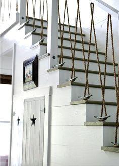 A decoração rústica não é algo que reflete apenas na decoração dos quartos e das salas principais da casa. Às vezes, os pequenos detalhes também são uma importante parte de um trabalho decorativo no qual busca-se dar um determinado aspecto...