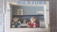 Quadro de maternidade em mdf, decorado com ursinho de pelúcia, móveis de madeira, tapete de crochê, janelas e molduras de gesso, papel de parede cuidadosamente elaborado para receber o seu bebê... R$ 200,00