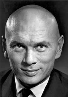 Yul Brynner - Russian-born United States-based film and stage actor. Photo by Yousuf Karsh Hollywood Icons, Hollywood Actor, Hollywood Stars, Classic Hollywood, Old Hollywood, Famous Men, Famous Faces, Famous People, Yul Brynner