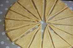 faconnage bioche boucles et bosses chez requia cuisine et confidences Beignets, Croissant, Nutella, Pineapple, Deserts, Pie, Bread, Fruit, Food
