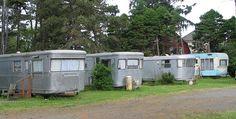 Spartan, Spartan, Spartan, Oasis! | sou'wester-trailers (jane1000, flickr) Travel Camper, Camper Caravan, Retro Campers, Vintage Campers, Vintage Gypsy, Vintage Stuff, Spartan Trailer, Tin Can Tourist, Camp Trailers