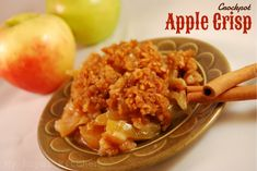 Easy Crock Pot Apple Crisp #dessert #apple #slowcooker