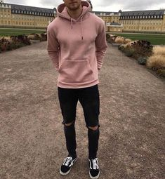What are some great casual outfit for guys? Today we are talking all about casual outfit for guys and how you can wear them with a […] Stylish Mens Outfits, Casual Outfits, Men Casual, Teen Outfits, Black Outfits, Urban Style Outfits Men, Classy Outfits, Guy Outfits, Teenage Boy Fashion