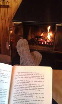 Reading at the fireplace is the best thing ever!