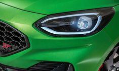 Ford hat ein Patent für LED-Scheinwerfer angemeldet, mit dem Lichter künftig frei individualisierbar sind. Es ist offenbar nur noch eine Frage der Zeit, bis die Technologie serienreif ist. LED-Scheinwerfer Auto News, Technology