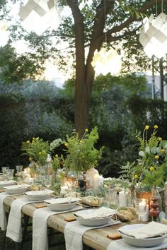 garden Party Deko – 22 Deco garden party ideas what should not be missing at a… Gartenparty Deko – 22 Deko Gartenparty Ideen was bei einer Gartenparty nicht fehlen sollte … Garden Party Wedding, Garden Parties, Wedding Table, Garden Weddings, Summer Diy, Summer Garden, Winter Garden, Party Deco, Picnic Decorations