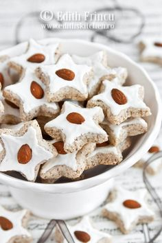 Almond star cookies - Zimtsterne German cookies A classic cookie recipe for the Christmas holidays German Christmas Cookies, German Cookies, Xmas Cookies, Easter Cookies, Christmas Treats, Christmas Baking, Christmas Holidays, Cookie Desserts, Holiday Desserts
