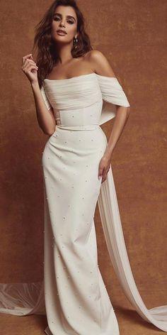 Silk Wedding Dresses For Elegant and Refined Bride ★ #bridalgown #weddingdress Best Wedding Dresses, Bridal Dresses, Reception Dresses, Couture Wedding Dresses, Fashion Wedding Dress, Ball Dresses, Ball Gowns, Prom Dresses, Elegant Bride