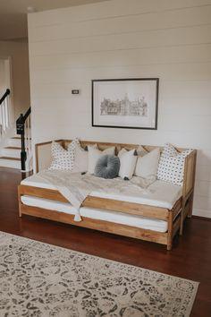 Ikea Twin Bed, Ikea Daybed, Cama Ikea, Wood Daybed, Diy Daybed, Rattan Daybed, Ikea Beds, Full Daybed, Daybed Ideas