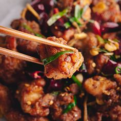 ideas for chicken recipes thighs asian Kitchen Recipes, Cooking Recipes, Dishes Recipes, Budget Recipes, Drink Recipes, Easy Recipes, Healthy Recipes, Dried Chillies, Slow Cooker Pasta