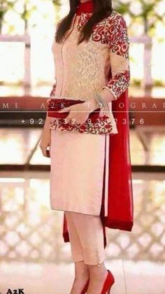 Indian outfit …what is its price Stylish Dresses, Simple Dresses, Casual Dresses, Fashion Dresses, Girls Dresses, Formal Dresses, Indian Attire, Indian Wear, Pakistani Outfits