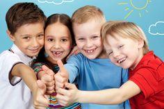 Todos los padres quieren que sus hijos tengan confianza en si mismos, que sean triunfadores, que sean seguros y responsables, que tengan un amplio circulo de relaciones sociales, en definitiva, todos los padres quieren hijos felices. Hoy os daremos algunos consejos para fomentar la autoestima de los más pequeños de la casa, y recordaros que …
