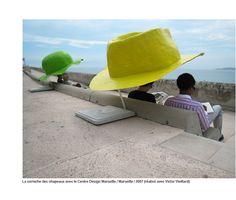Les chapeaux par Buffalino Benedetto / abris / ombre / délimiter un espace / associé à un banc= greff