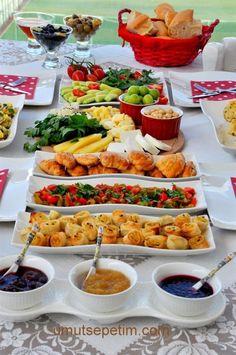 (medium) - Food and Drink Brunch Buffet, Breakfast Buffet, Breakfast Recipes, Breakfast Presentation, Food Presentation, Breakfast Catering, Fingers Food, Turkish Breakfast, Party Food Platters