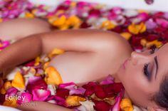 Welcome Spring by Farley Zucateli - - www.farleyzucateli.com Modelo: Vanessa Foto: Farley Zucateli  Produção: Juliana Bergamo Zucateli Make: Andriele Ferreira