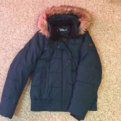 Ladies Winter Jacket Barely worn, ladies small, teal winter jacket. Sure to keep you warm this winter!! Zeroxposur Jackets & Coats Puffers