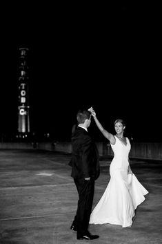 Classic Winter Wedding in downtown Winston-Salem | Winston-Salem Real Weddings | Photographer LINDLEY BATTLE | Magnolia Rouge: Fine Art Wedding Blog | Romantic Wedding Photos | Wedding Ceremony | Winter Weddings