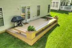 Low deck with benches and flower boxes