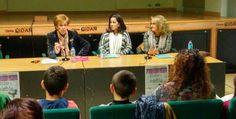 """Presentación en el CIDAN (Laviana) Inés Gª Vega, Concejala de Educación y Cultura, Virginia Read Escobal, escritora y la autora de """"Bolso de niebla"""" M Rosa Serdio."""