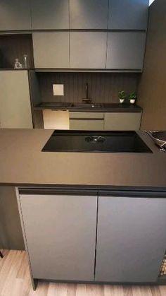 Luxury Kitchen Design, Kitchen Room Design, Kitchen Cabinet Design, Kitchen Layout, Home Decor Kitchen, Interior Design Kitchen, Pastel Kitchen Decor, Kitchen Modular, Cuisines Design