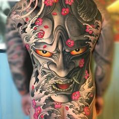 A comprehensive guide to Hannya Mask tattoo: originis, meanings, styles and photo examples. Oni Tattoo, Yakuza Style Tattoo, Hannya Maske Tattoo, Hanya Tattoo, Tattoo Style, Tattoo Henna, Japanese Back Tattoo, Japanese Dragon Tattoos, Japanese Tattoo Designs