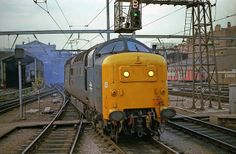 55017 'The Durham Light Infantry' at Kings Cross on 21st April 1980. (Andy Hoare)