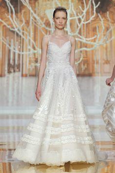 Vestido de novia de YolanCris {Colección 2014} #vestidosdenovia #weddingdress #bcnbridalweek #tendenciasdebodas