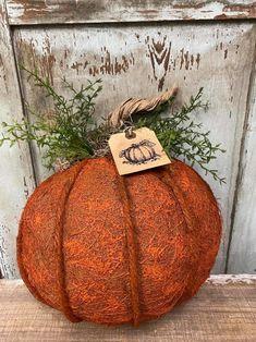 Fall Pumpkin Crafts, Fall Wood Crafts, Diy Crafts For Home Decor, Autumn Crafts, Diy Pumpkin, Crafts To Do, Fall Pumpkins, Fall Halloween, Halloween Ideas