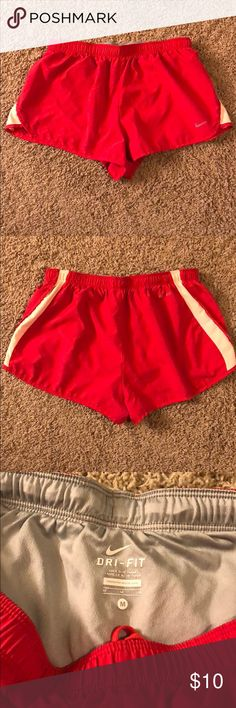Nike Dry Fit Medium Shorts Nike dry fit shorts. Size medium. In great used condition. Please feel free to ask any questions or request additional pictures (:   I would recommend bundling this with my two other Nike dry fit size medium shorts that are listed in my closet to receive a discount and save on shipping! 😊 Nike Shorts