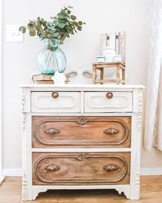Learn how to recreate this DIY Faux Bone Inlay Dresser look yourself with Fusion Mineral Paint and a stencil. Today's paint tutorial will walk you through this beautiful technique. Refurbished Furniture, Vintage Furniture, Painted Furniture, Ikea Cabinets, Painting Kitchen Cabinets, Painting Melamine, Whitewash Wood, Back Pieces, Mineral Paint