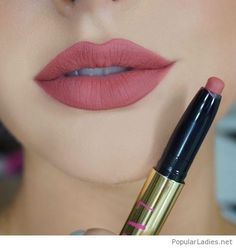 matte-lipstick-awesome-color