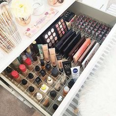 Trendy Makeup Organization Ikea Drawer Dividers Make Up Ideas Makeup Organization Ikea, Makeup Storage Drawers, Vanity Drawers, Vanity Desk, Organizing Drawers, Ikea Vanity, Diy Vanity, Organization Ideas, Ikea Drawer Dividers