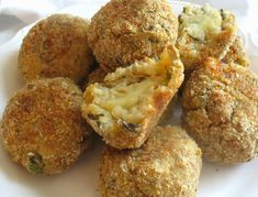 Baked Mushroom Arancini - delicious, creamy and cheesy savory mushroom risotto baked into appetizer size balls. Baked Mushrooms, Stuffed Mushrooms, Stuffed Peppers, Greek Appetizers, The Kitchen Food Network, Arancini, Mushroom Risotto, Juice Diet, Greek Recipes