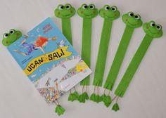 felt frog bookmarks http://handmadewithlovebygulsun.blogspot.com/