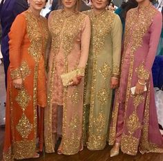 Haute spot for Indian Outfits. Pakistani Wedding Outfits, Pakistani Dresses, Indian Dresses, Indian Outfits, Eid Outfits, Bridal Outfits, Party Dresses Online, Party Wear Dresses, Wedding Dresses