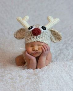 Baby Christmas Outfit - Rudolph Hat - Newborn Christmas Outfit - Christmas Picture Outfit - Baby Christmas Gift - First Christmas Outfit Christmas Pictures Outfits, Newborn Christmas Pictures, Baby Christmas Gifts, Christmas Morning, Christmas Crafts, Christmas Pics, Etsy Christmas, Christmas Quotes, Christmas Trees