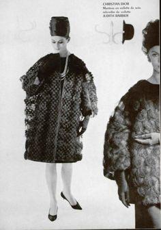 1961 christian dior manteau en voile de soie rebrodée de voilette Vintage Ysl, Vintage Couture, Vintage Hats, Mode Vintage, Vintage Vogue, Fashion Hats, 1960s Fashion, Vintage Fashion, Guy Laroche