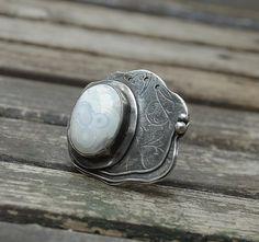 Fine silver ring with white jasper