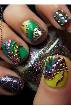 Pretty sure I'd lose most of the sequins and glitter within a day or two, but these look amazing anyway. Matt Nails, Love Nails, How To Do Nails, Fun Nails, Fabulous Nails, Gorgeous Nails, Pretty Nails, Mardi Gras, Best Nail Art Designs