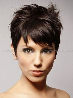 Latest Pixie Hairstyles You Must Try in 2017 Pixie haircut is the most relaxed and powerful hairstyle for women, it looks modern, chic and effortlessly gorgeous. There is no reason to afraid of short. Short Pixie Haircuts, Pixie Hairstyles, Trendy Hairstyles, Summer Hairstyles, Messy Pixie Cuts, Edgy Pixie, Haircut Short, Hairstyle Short, Hairstyles 2016