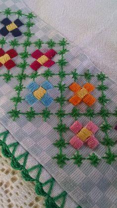 Quilt Block Patterns, Pattern Blocks, Quilt Blocks, Embroidery Stitches, Hand Embroidery, Bordado Tipo Chicken Scratch, Chicken Scratch Embroidery, Crochet Bedspread, Cross Stitch Flowers