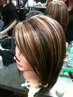 Honey blonde highlight: Beautiful and simple medium length bob hair cut is enough to make a stunning look with this honey blonde highlighted hair color. Description from pinterest.com. I searched for this on bing.com/images