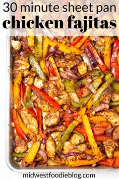 Quick, easy and healthy - these sheet pan chicken fajitas are loaded with flavor but take just minutes to prep and bake. You'll have a hearty dinner on the table in less than 30 minutes with this fool proof recipe! Chicken Fajita Rezept, Easy Chicken Fajita Recipe, Oven Fajitas Chicken, Oven Baked Fajitas, Steak Fajitas, Mexican Food Recipes, Dinner Recipes, Healthy Fajita Recipes, Healthy Recipes With Chicken