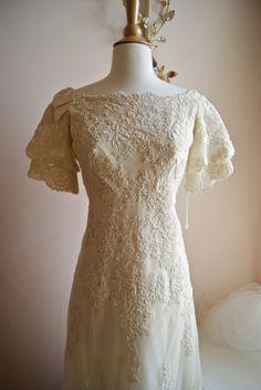 Wedding Dress // 60s Wedding Dress // Vintage by xtabayvintage, $895.00