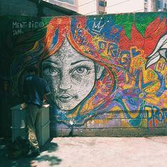 More details of the work, place and artist: http://streetartrio.com.br/artista/desconhecido/compartilhado-por-vtheodoro-em-dec-18-2014-1749/ /  #streetartrio #streetphotography #buildinggraffiti #graffitiart #art #streetart #handmade #street #graff  #urban #wallart #spraypaint #aerosol #spray #wall #mural #murals #painting #arte #color #streetartistry #artist #grafiti #urbano #rue #guerillaart