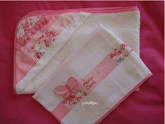 Conjunto rosa para a Maria Clara - toalha de banho e fraldinha de pano.