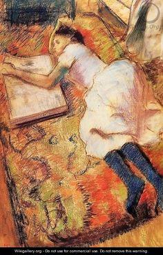 Una giovane legge sdraiata sul pavimento di Edgar Degas