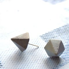 Small Earrings – Geometric Spike Earring for men - Concrete jewelry – a unique product by SharonShamay on DaWanda - Rocker style punk stud earrings made from lightweight concrete for an edgy rock-star-chic. These young and minimalist spike earring studs are a fashion statement declaration for individuality and uniqueness. Wear it with your favorite pair of jeans for a dinner party, worn with a black suit it will be unique yet elegant classic apparel.