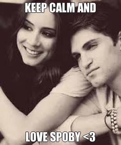 Troian Bellisario and Keegan Allen aka Spencer Hastings and Toby Cavanaugh- Pretty Little Liars. They are my fave PLL couple! Spencer Hastings, Spencer Y Toby, Toby Pll, Spencer Pll, Hanna Marin, Toby Cavanaugh, Gossip Girl, Pretty Little Liars Actrices, Uglies Series